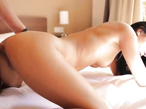 Teen Makes Love To Her Lusty Boyfriend In The Morning