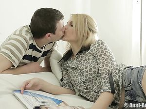 Passionate Blonde Blows And Bangs With Her Boyfriend