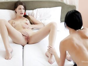 Teen Opens Her Legs For Licking From Her Girlfriend