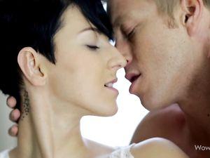 Big Natural Breasts Babe Has A Talented Tongue