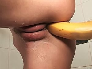 Finger Banging A Slutty Teen In A Hot Shower