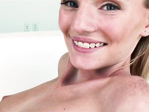 Teen Needs Big Cock To Bang Her Perfect Pussy