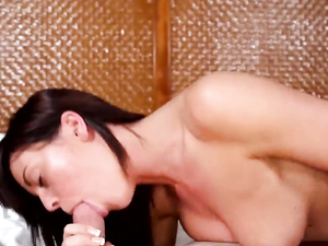 Facial Cumshot For A Horny Teenage Bruentte Girl