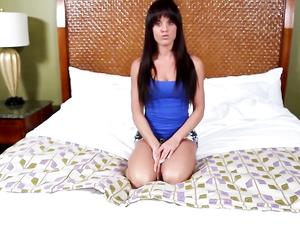 Facial Cumshot For A Horny Teenage Bruentte Girl