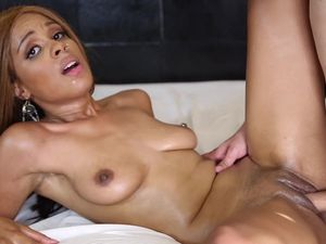 Jizz In Her Mouth After Rough Pussy Pounding
