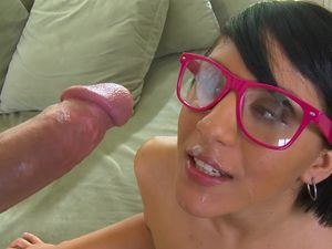 Nerdy Chick Extracts His Semen All Over Her Face