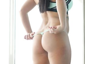 Keisha Grey And Her Curves In An Erotic Sex Video