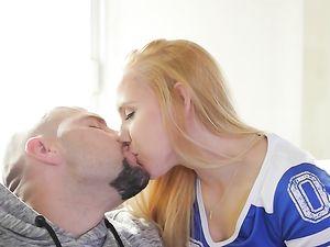 Sunday Sex With Petite Hollie Mack Instead Of Football