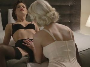 Erotic Lesbian Lingerie Love Between Pinup Girls