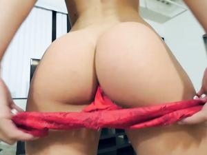Tight Pussy Pornstar Kimmy Granger Sucks A Dick