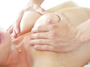 Massage Foreplay Makes His Lady All Wet For Fucking